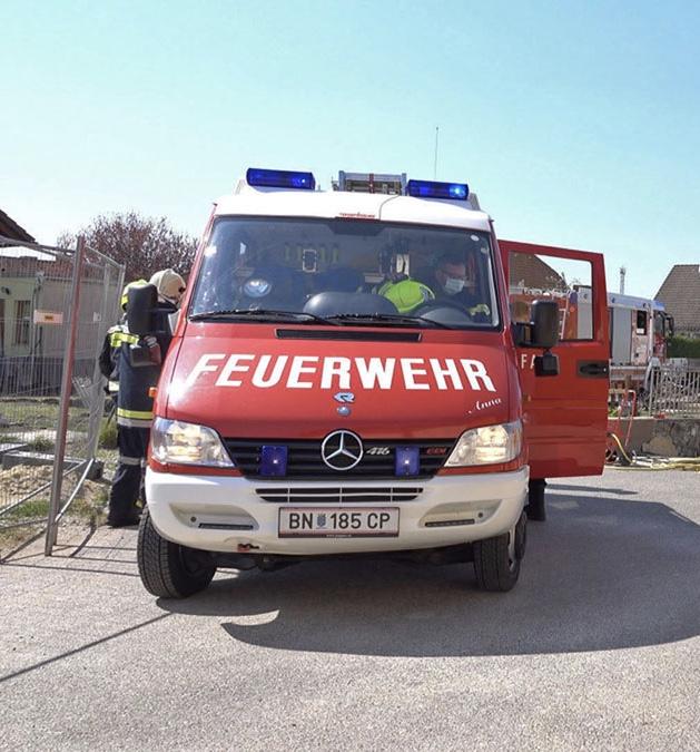 20200406 Personenrettung aus Baugrube in Traiskirchen Wienersdorf